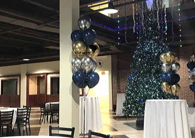 Chrome-Gold-Blue-Silver-Balloons-Bouquet-Square-Mall-Northville--Mi-Top-Notch-Balloon-Creations-Balloon-Artist-Decoration